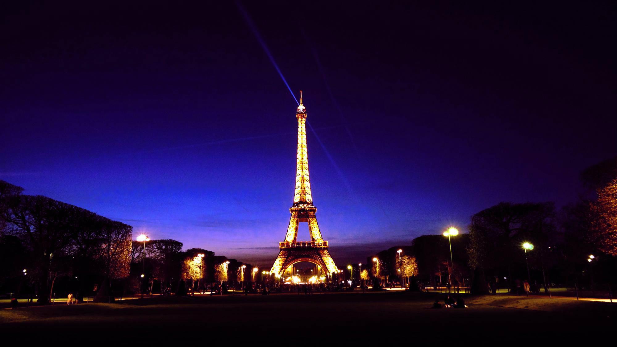 7 Hot Tourist Attractions in Paris